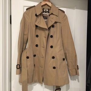 Burberry sandringham Trench coat US2 UK4 honey